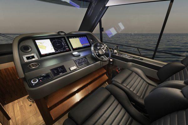 Riviera 505 SUV Helm 01 - Gloss Walnut