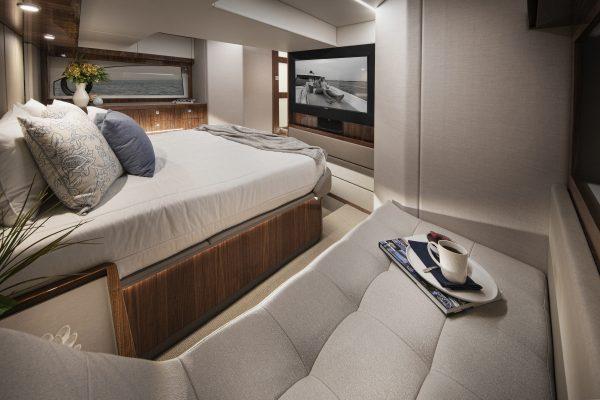 Riviera 505 SUV Master Stateroom 03 - Gloss Walnut