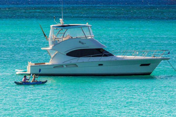 Riviera-45-Open-Flybridge-Kayaking-01